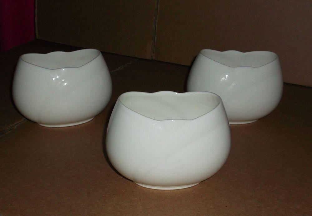 Noritake Japan Bone China Ensemble White Pattern Small Vases Bowls