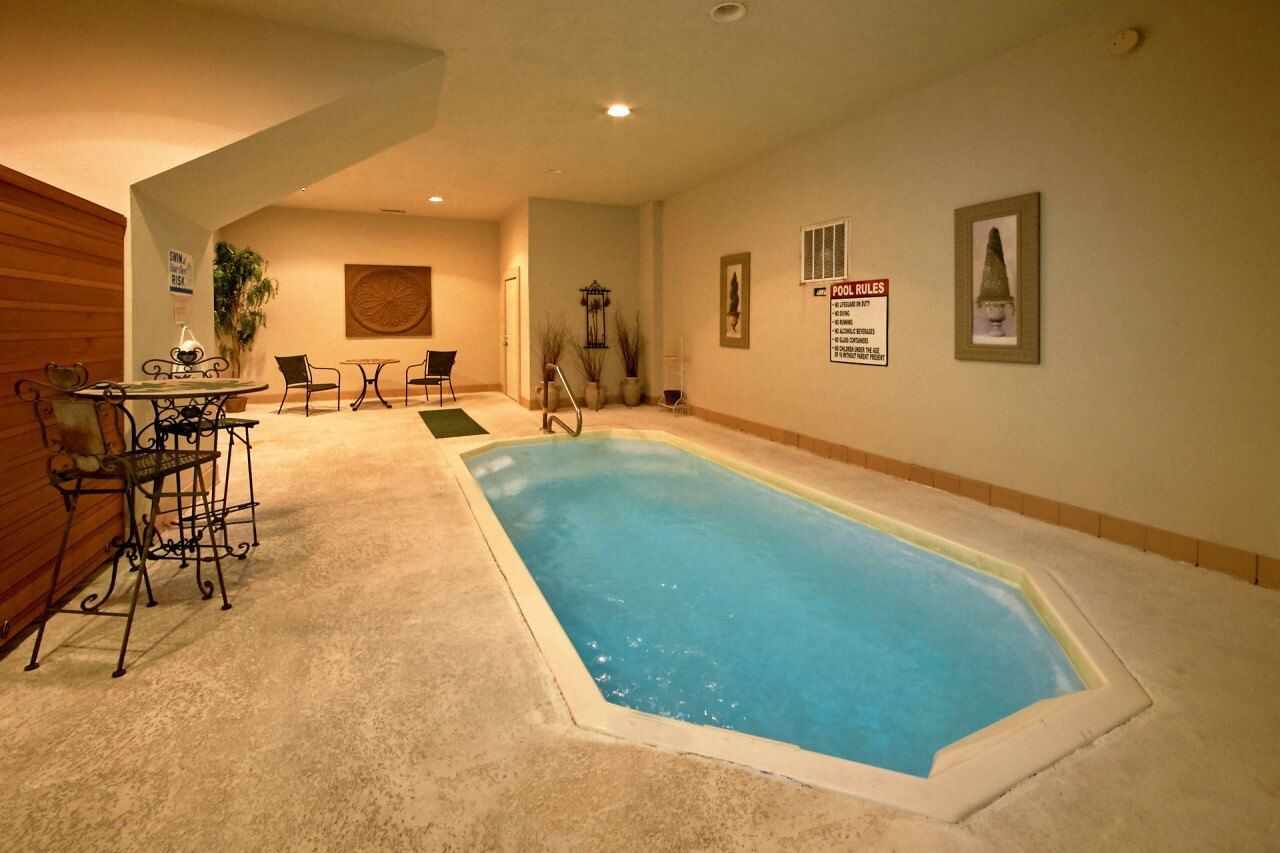 Gatlinburg Cabin Rentals In The Smoky Mountains Luxury Hot Tubs Indoor Pool Pool Bedroom