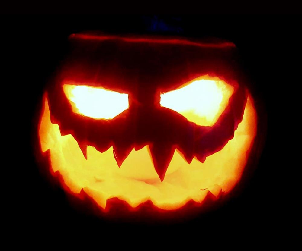 35 Scary Halloween Pumpkin Carving Ideas 2019 For Kids Adults Pumpkin Carving Scary Halloween Pumpkins Halloween Pumpkins