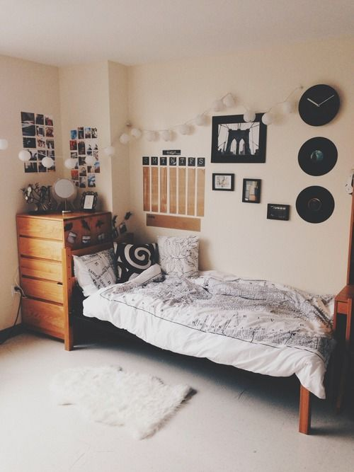 Bedroom Wall Decoration Ideas: Black And White, Nice Wall Decor, Some Lights Strung Up