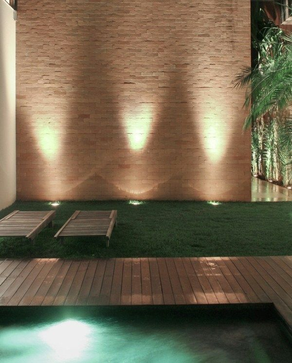 subtile Beleuchtung Garten Gestaltung Einbauleuchten #innenhofgestaltung