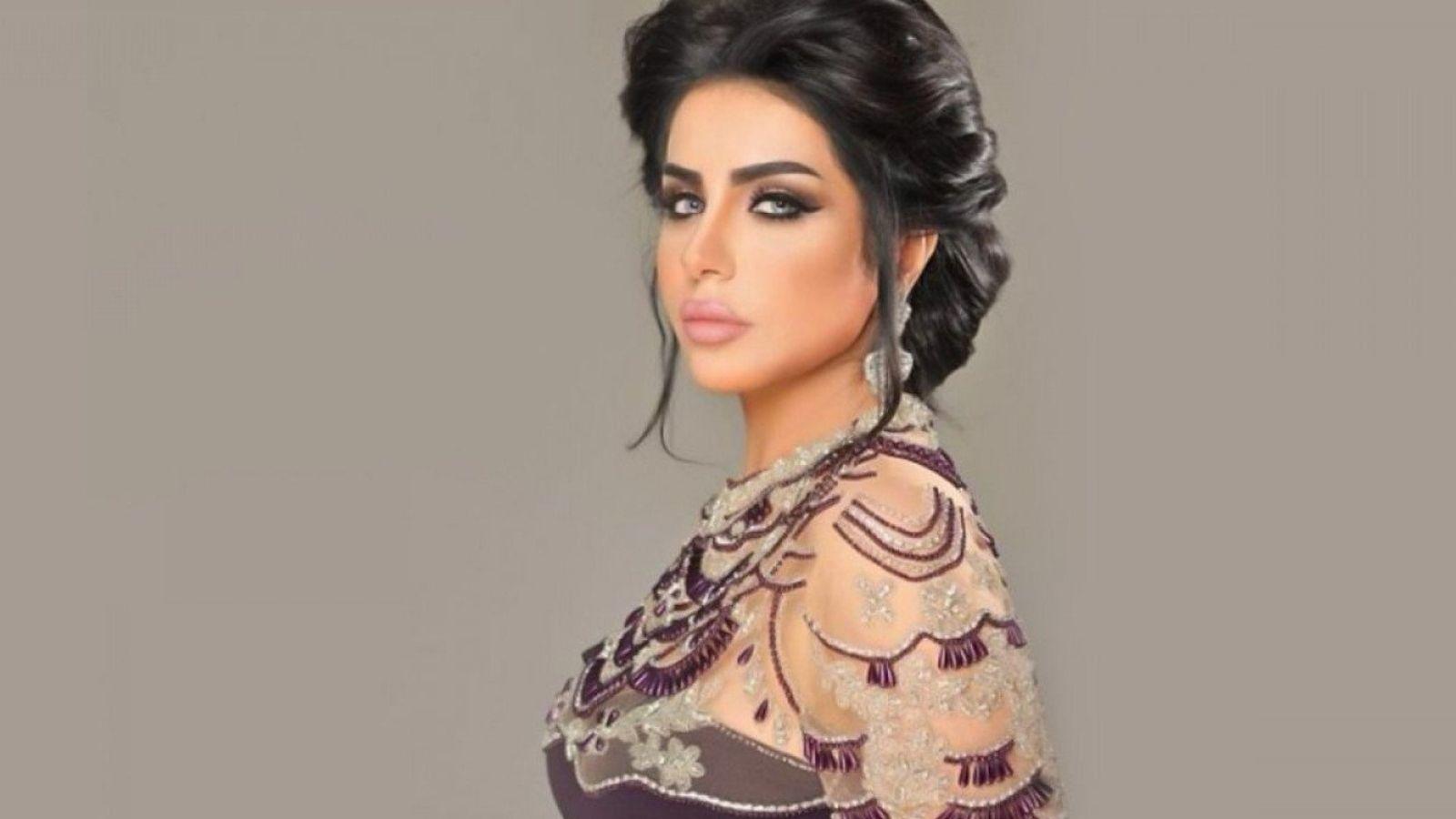 السخرية تلاحق حليمة بولند بعد زيارتها لحفر الباطن في السعودية بالفيديو Backless Dress Dresses Fashion