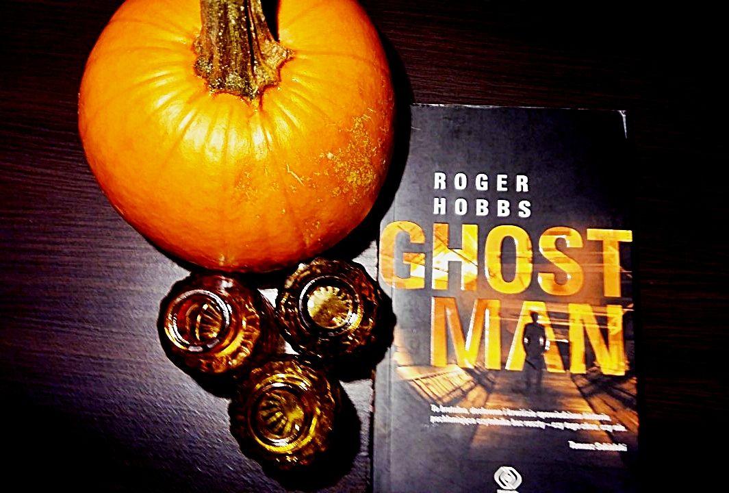 """Kącik czytelniczy: Roger Hobbs """"Ghostman""""."""