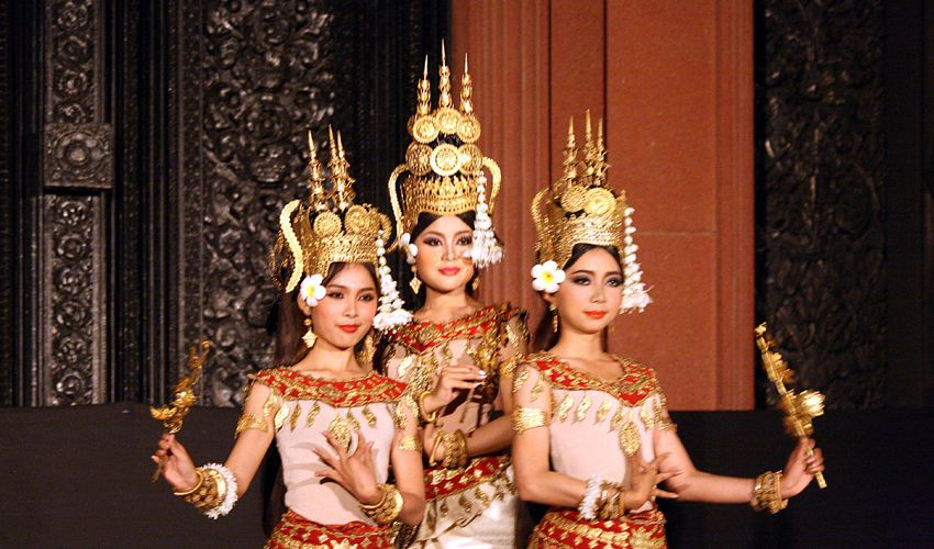 Enticing Dance of Apsaras in Siem Reap