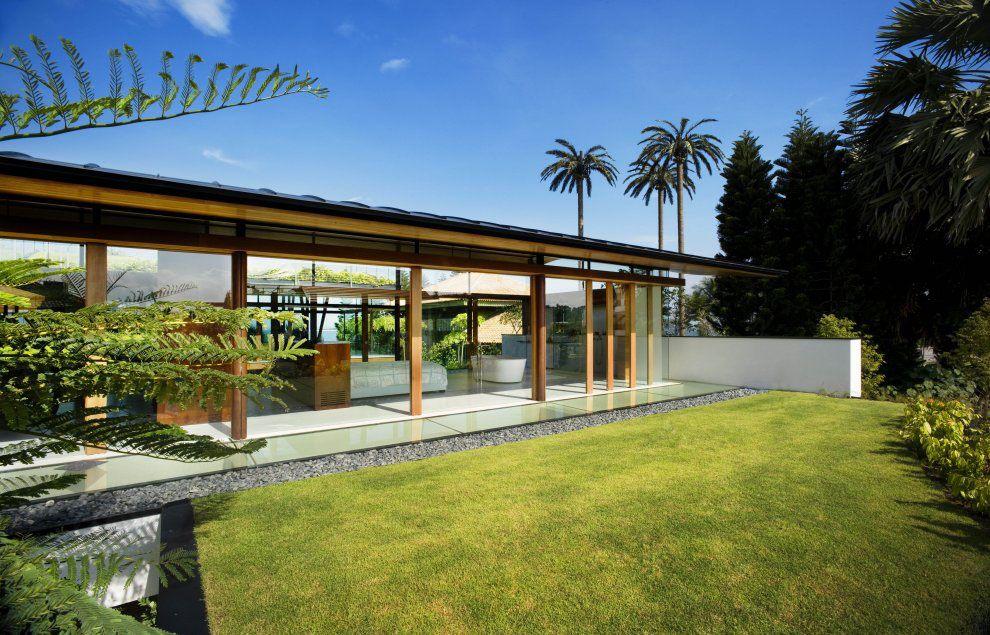 Environmentally Friendly Modern Tropical House In Singapore ...