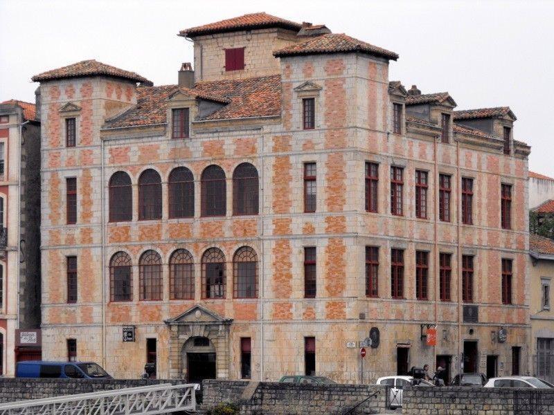 Maison De L Infante Saint Jean De Luz Pyrenees Atlantiques Construite Vers 1640 En Briques Roses Et Pierres Dorees D Pays Basque Tourisme Arriere Pays