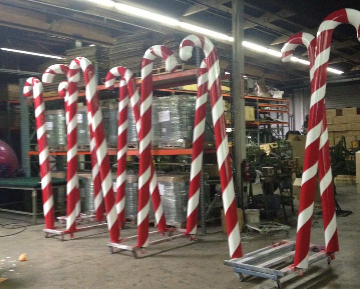 Large candy cane ornaments - Giant Candy Canes In Factory