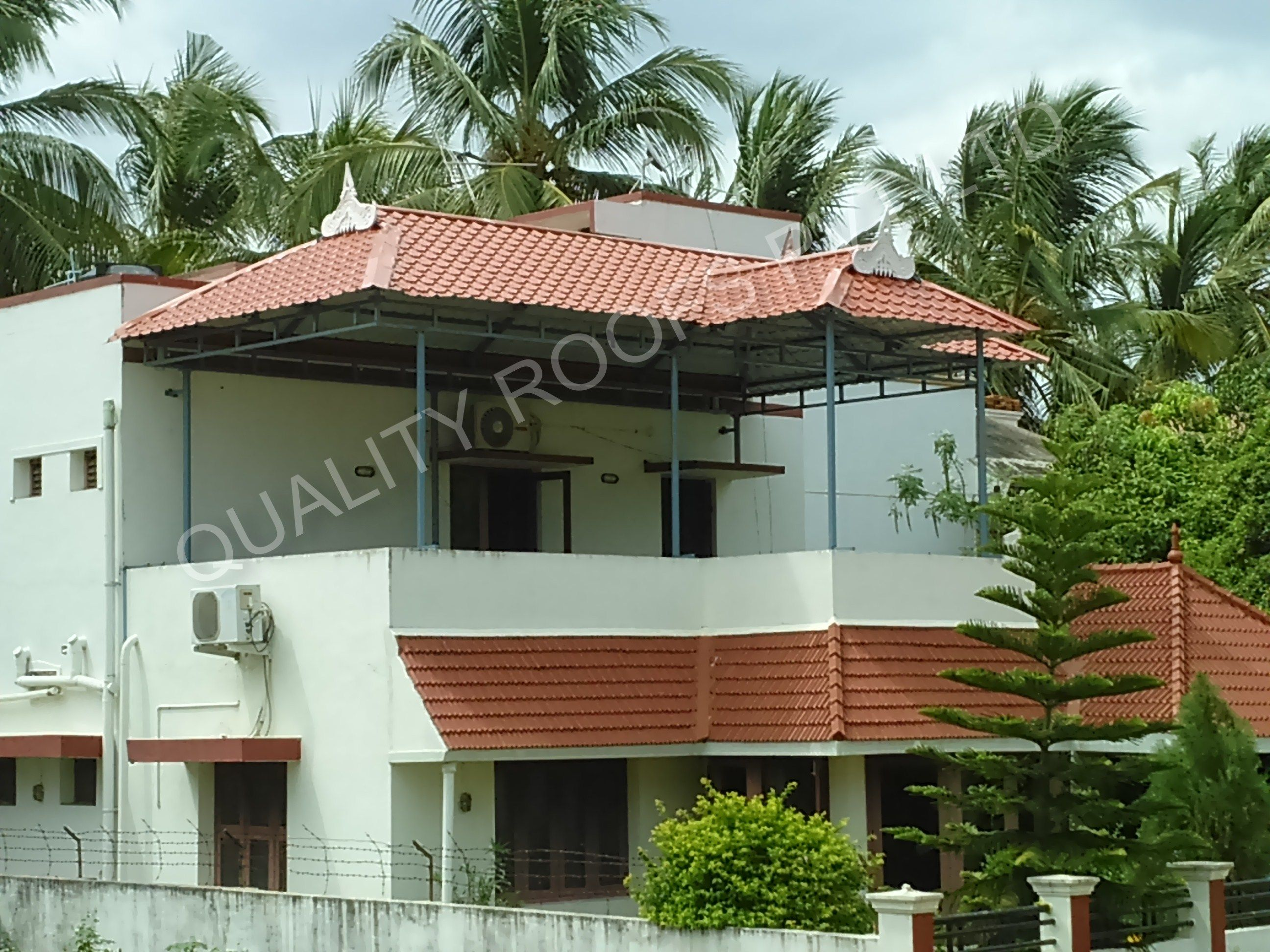 We Are The Leading Kerala Style Roofing Contractors In Tamilnadu We Are Specialized In All Types Of Keral House Front Design Roofing Metal Roofing Contractors