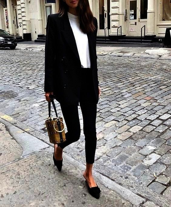 blazer, learn how to wear this hit - rg own - by L ... -trend alert: oversized blazer, learn how to wear this hit - rg own - by L ... -alert: oversized blazer, learn how to wear this hit - rg own - by L ... -trend alert: oversized blazer, learn how to wear this hit - rg own - by L ... -  Get the jacket for $149 at  - Wheretoget  Sonya Pembe  Strolling 🚶♀️  FWAH
