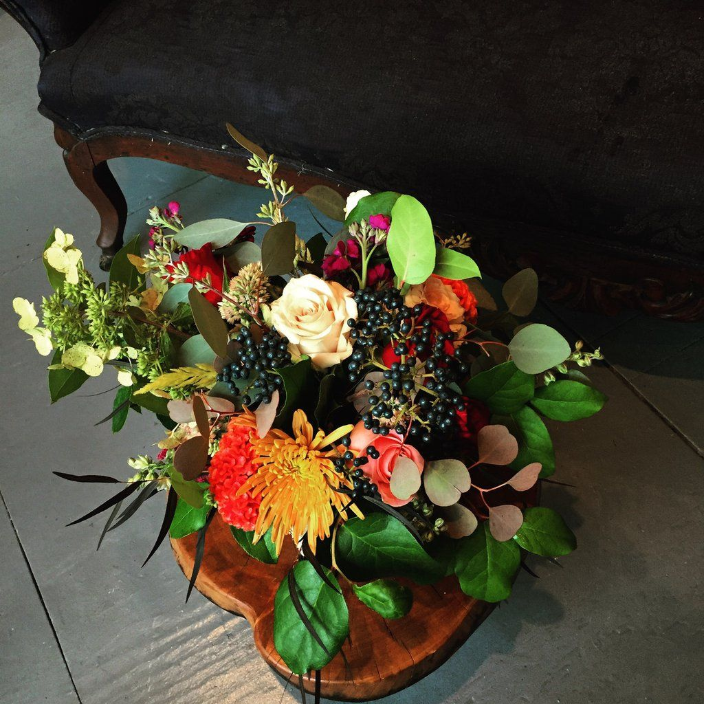 Same day flower delivery. Contemporary Cincinnati florist located in OTR. Send flowers for just 35$ with free delivery. Portion of proceeds goes to charity.