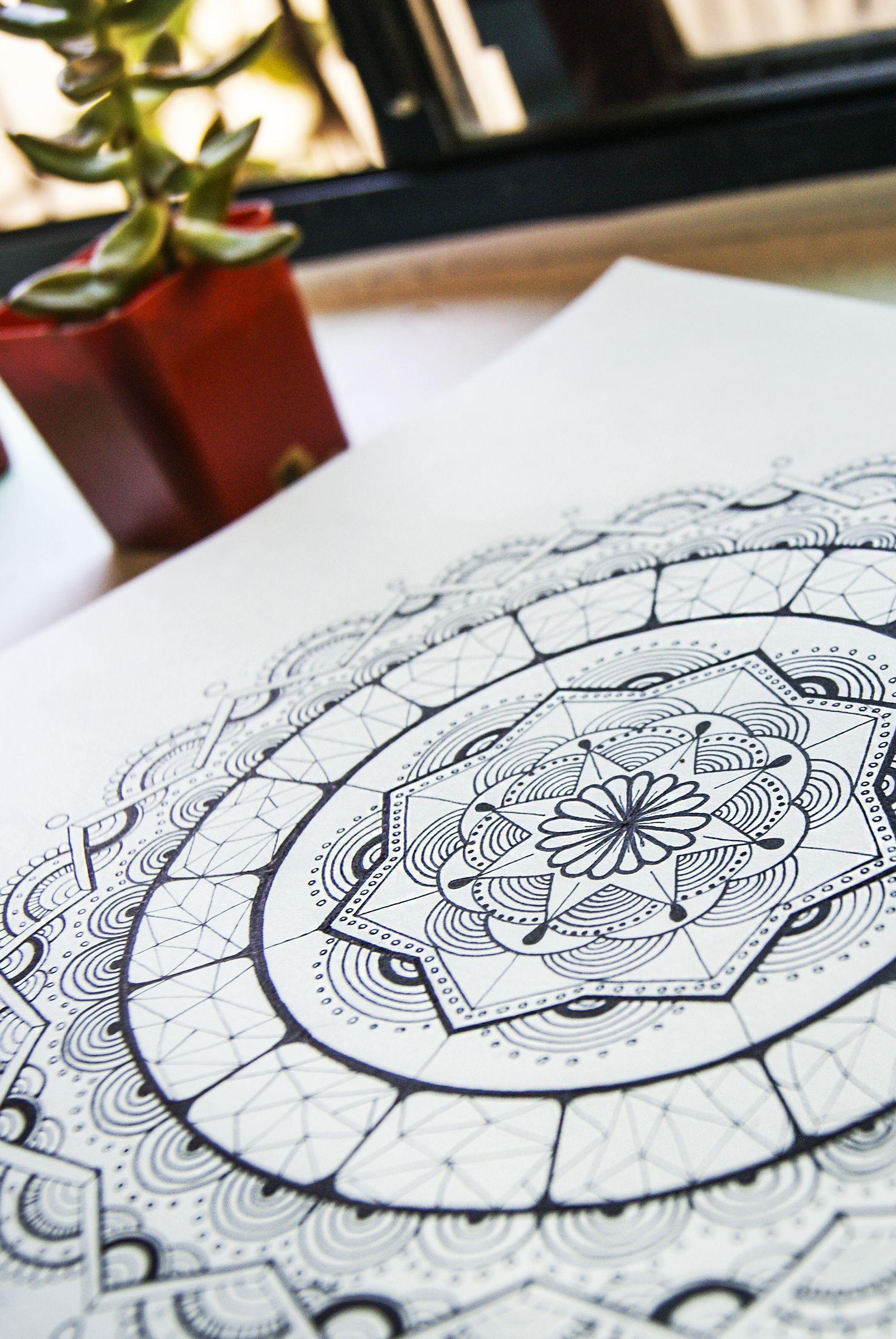 Mandala, arte trascendental, arte espiritual, arte de alma.   Geometría de vida, geometría del universo interior.