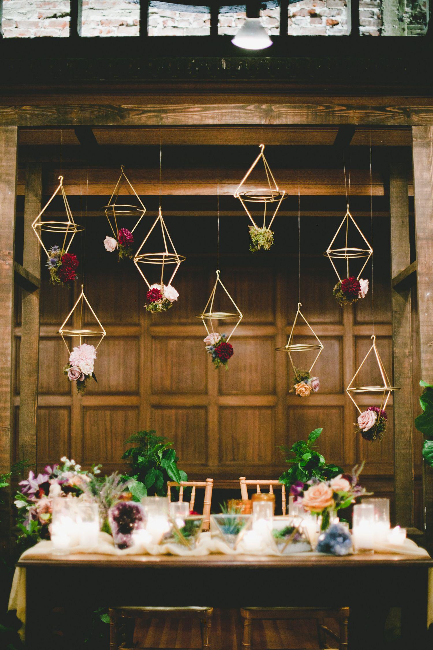 Read More Https Www Stylemepretty Com 2015 11 03 Mod Geometric Rustic Wedding At The Loft On Pine Geometric Wedding Decor Geometric Wedding Wedding Modern