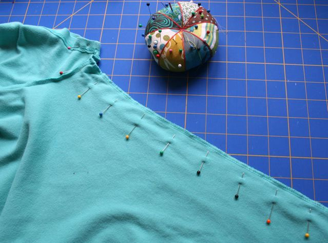 Pickup Some Creativity: Sewing 101 with Larissa, Basic Alterations- How to alter a t-shirt to make it more fitted