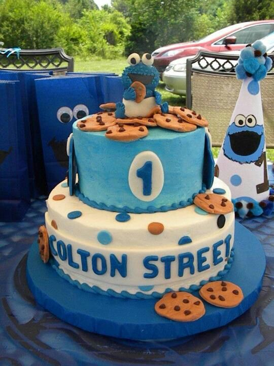 Amazing Cookie Monster Cake Made For My Son S 1st Birthday With Images Cookie Monster Birthday Party Cookie Monster Birthday