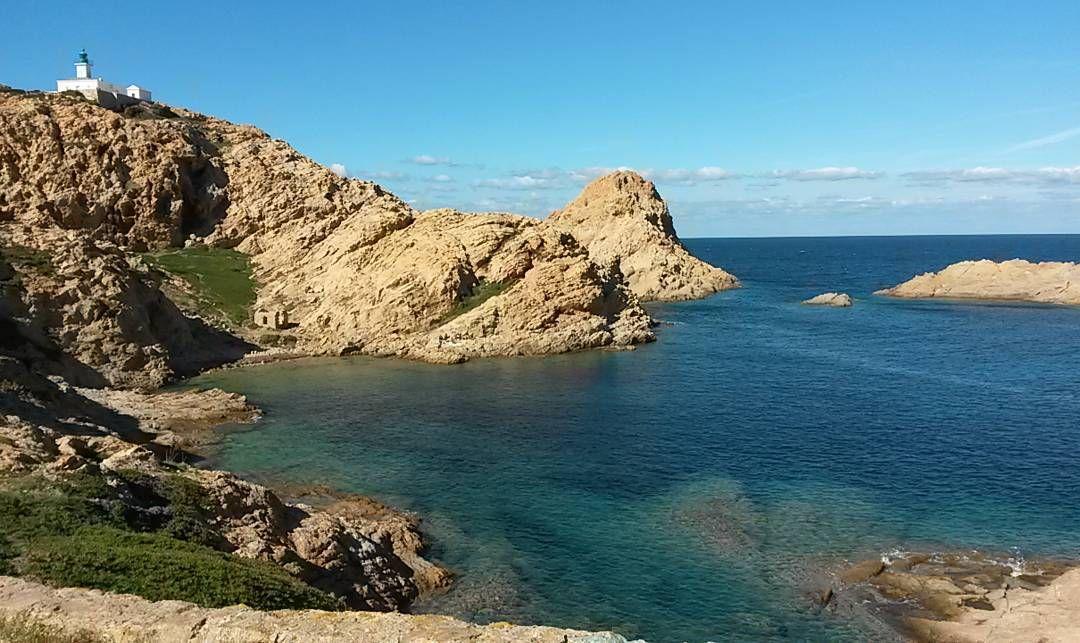 Brutti posti mi dicevano #portdeilerousse #corse #amazing #photo #noeffect #natural #landscape #nowords #sun #sea #lighthouse #harbour #ilerousse #instagood by fabiola_agosti
