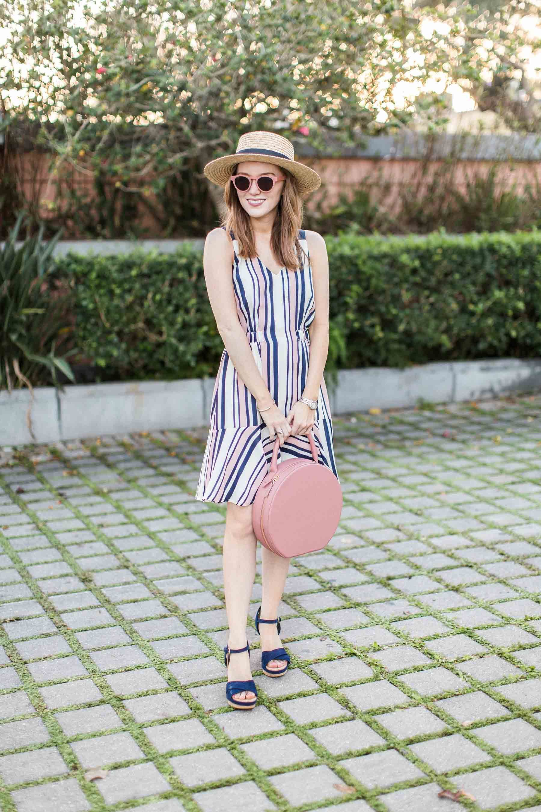 Ultimate Style Guide: What To Wear To Work ThisSpring pictures