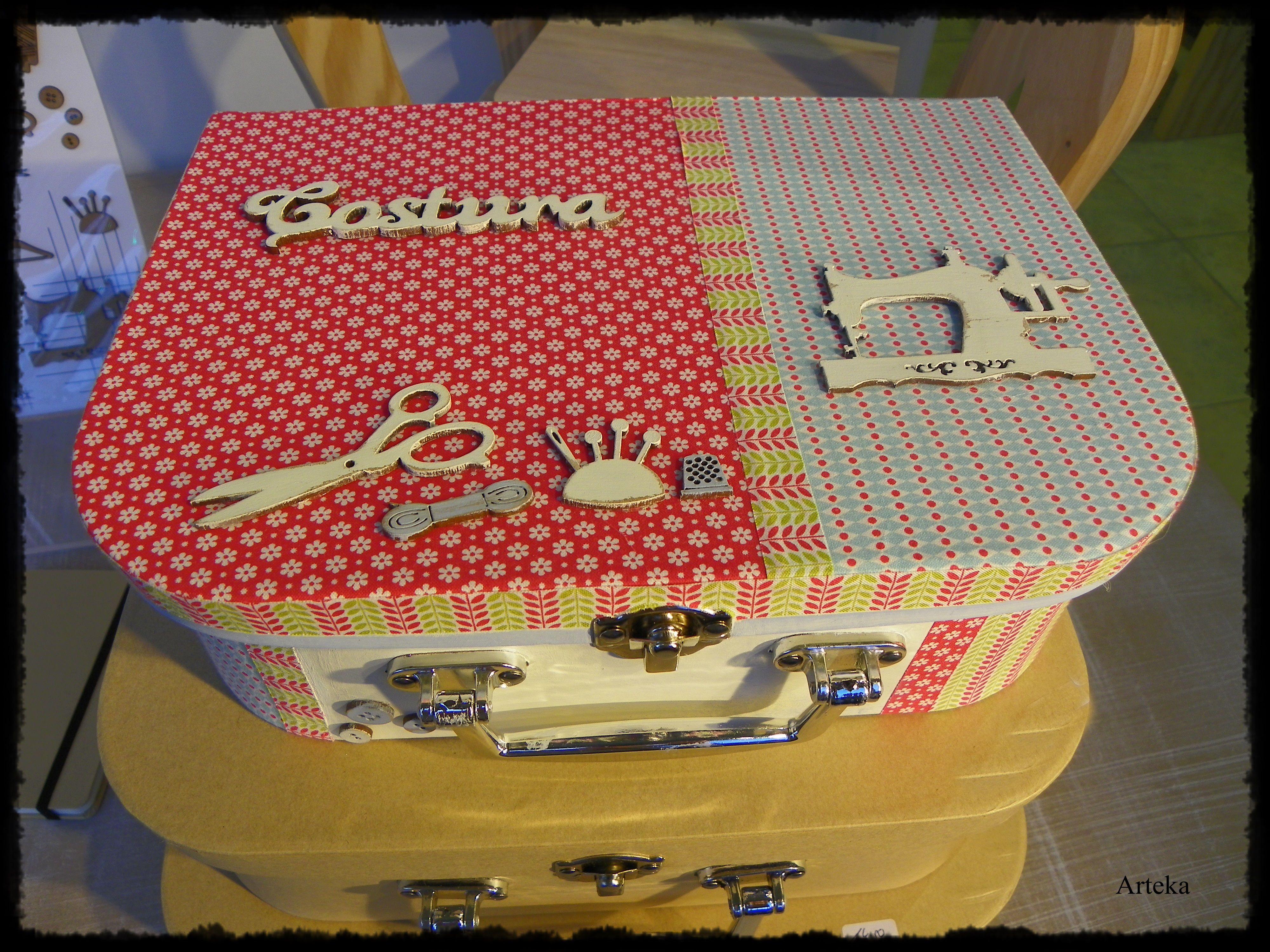 Caja malet n de papel mache decorada con telas adhesivas y aplicaciones de dm decorados en - Telas adhesivas ...