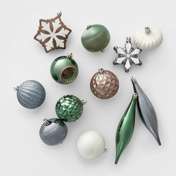 40ct Shatter Resistant Veranda Christmas Ornament Set Wondershop