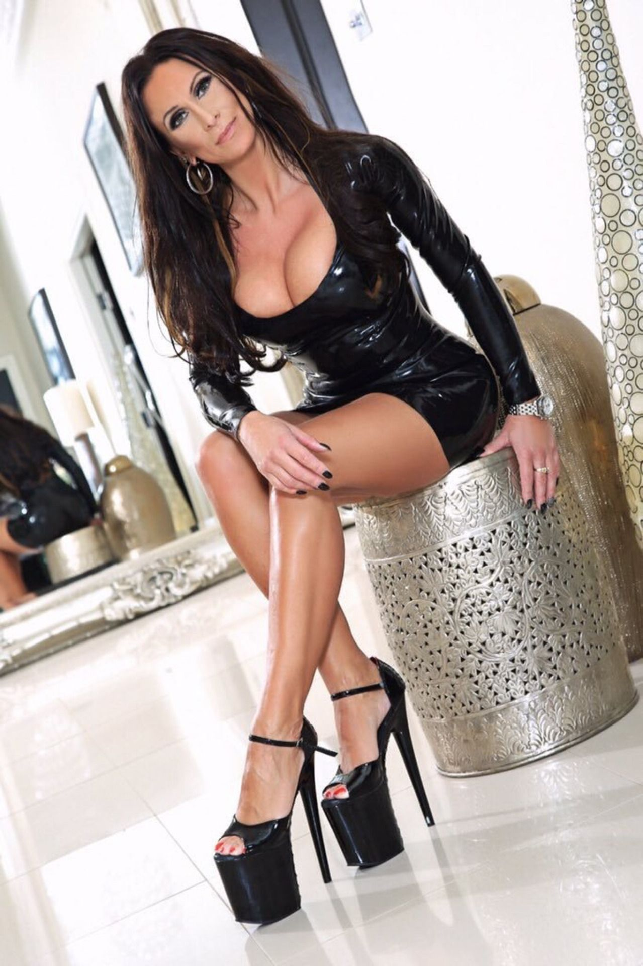 Mature in high heels pics