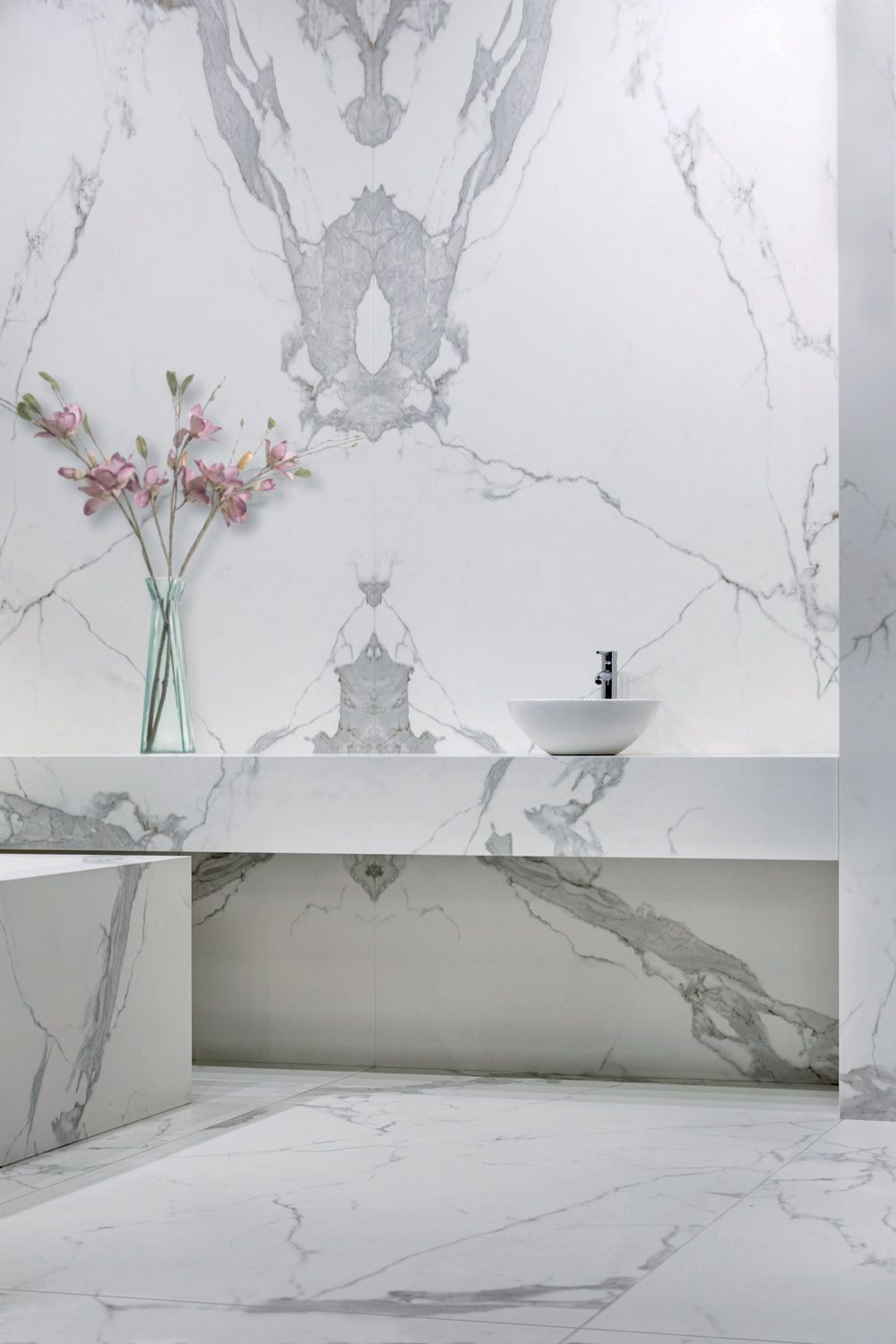 neolith estatuario left & right panels silk honed finish bathroom
