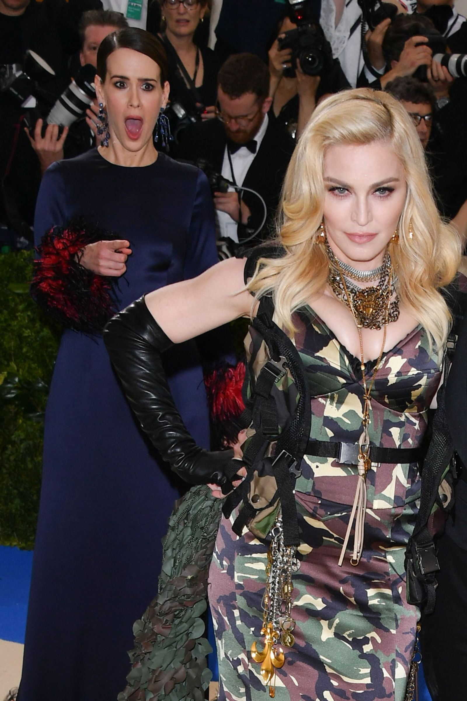 Sarah Paulson fangirls over Madonna on the red carpet - In Photos: The Best Candid Moments From The 2017 Met Gala - HarpersBAZAAR.com