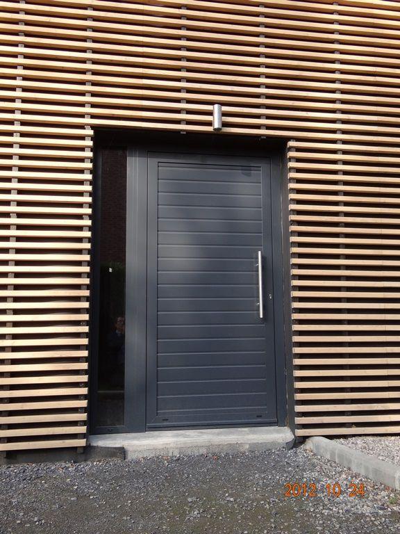 Porte Reynaers CD 50 avec panneau sous pareclose modèle Adeco Frisia - prix porte entree tryba