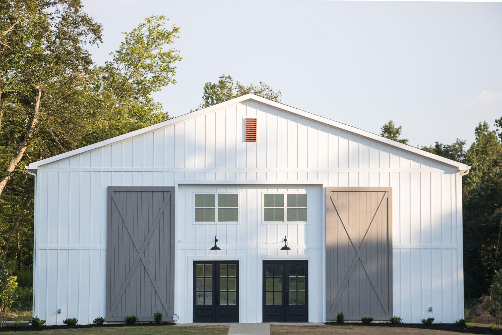 White Wedding Barn || Tennessee Wedding Venue || Board and ...