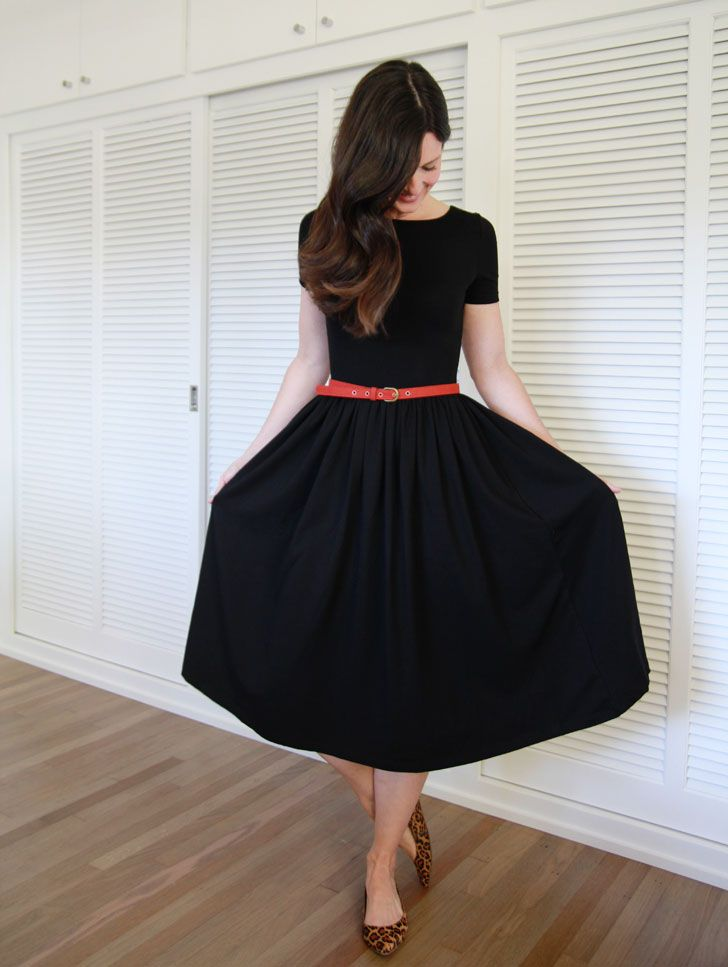 Black dress with colorful belt. I have a dress like this with a pink belt, but always forget about it. Maybe if I pin it, I'll remember! lol