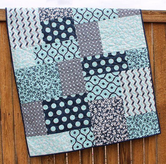 Baby Quilt Pattern, Fat Quarter Quilt Pattern, Big & Bold Baby ... : big and bold quilt pattern - Adamdwight.com