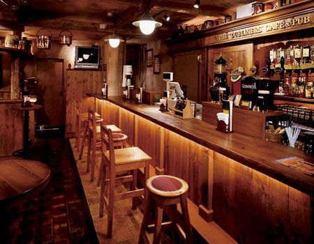dubliners 39 irish pub in shinjuku japan deco. Black Bedroom Furniture Sets. Home Design Ideas