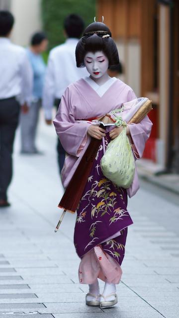芸妓さんと舞妓さんのブログ (Geiko Toshimana of Miyagawacho by tiger123 - blog)
