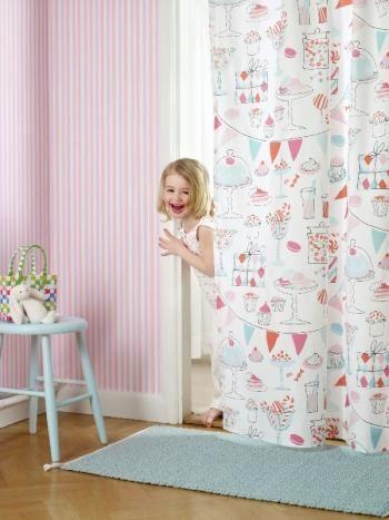 Papier peint rayures et tissu gourmand laurent et for Papier peint chambre bebe fille