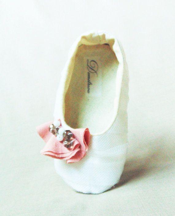Rose Garden Baby Shoes by Demetriougirls on Etsy, $67.00