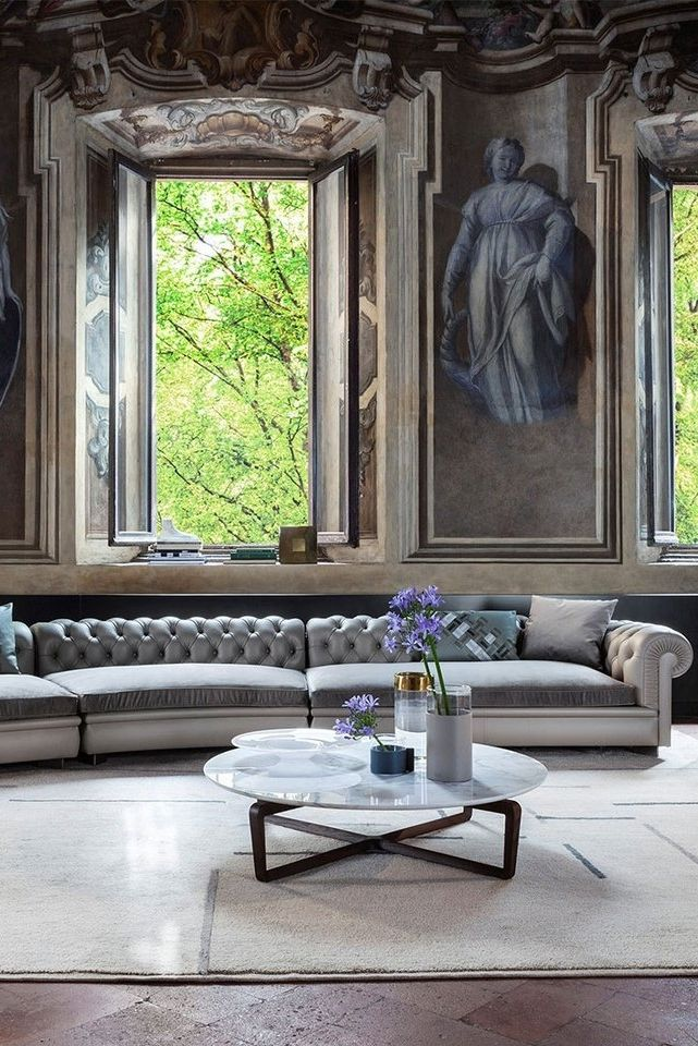 Roberto Lazzeroni was tasked with its evolution and envisaged the Chester Line modular sofa, lightened and updated to reflect the requirements of contemporary living. We Ship Worldwide. . . . . #classicstyle #sofa #chesterfield #luxuryinteriordesign  #worldofinteriors #LuxuryInterior #ContemporaryInteriors #amazinginteriors #livingrooms #dreaminterior #livingroomgoals  #vintage #christchurchdorset #sandbanks #beaulieu #mudeford #newforest #londondesign #londoninterior #californiahomes #lahomes