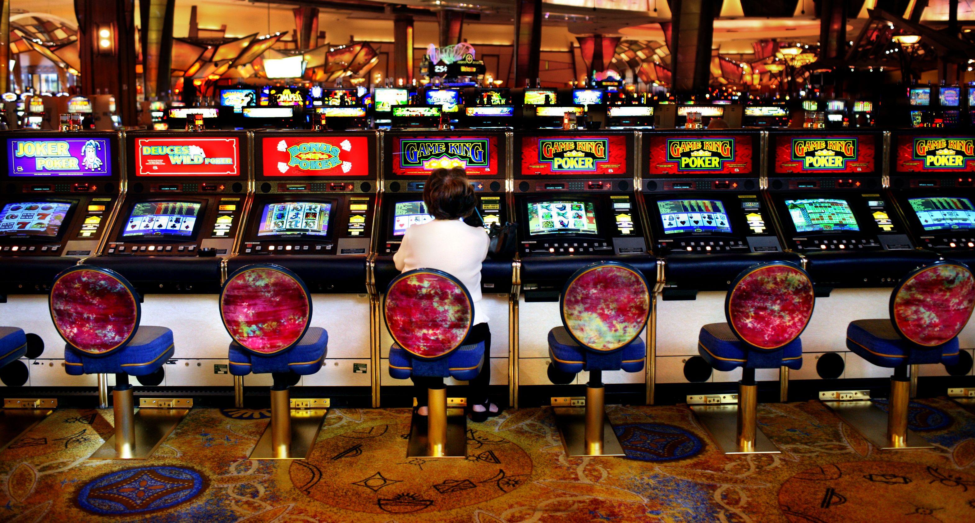Онлайн казино Магнит предлагает огромное количество игровых автоматов категории Слоты.Здесь имеются модели от Супероматик, Outcome Games, Greentube, Infinity Games, Hit Games, NetEnt, Wazdan, Microgaming, Аматик, Playson, Apollo.