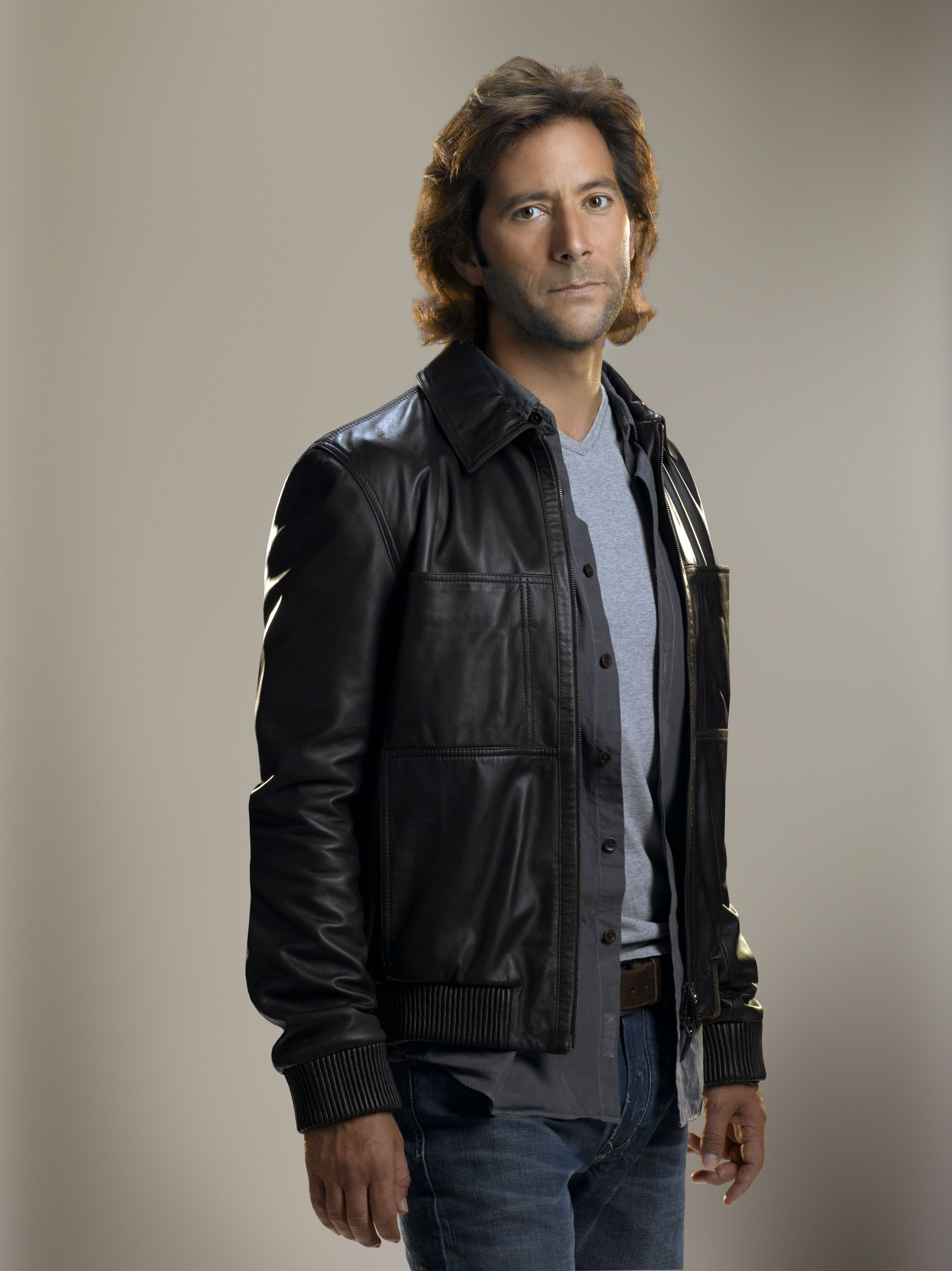"""Lost S5 Henry Ian Cusick as """"Desmond Hume"""""""