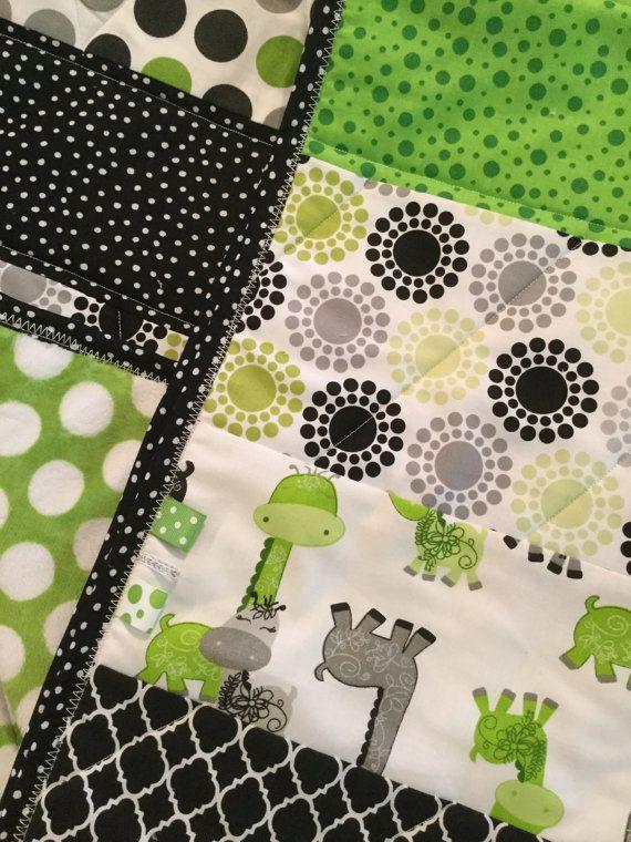 Gigi Giraffe Baby Quilt in Green Gray