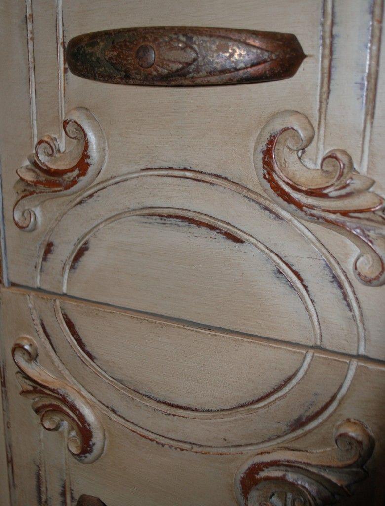 Maison Blanche Chalk Paint In Cobblestone With Dark Brown