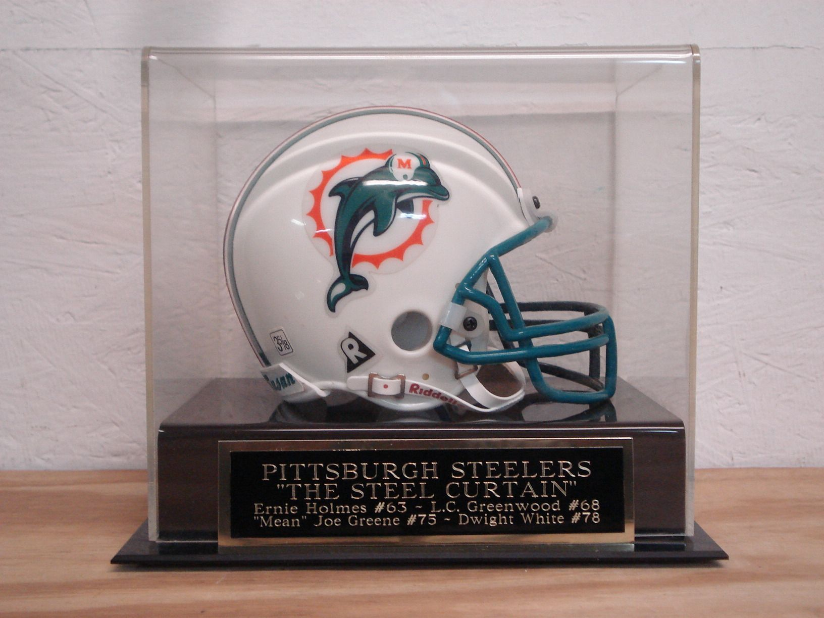 Pittsburgh Steelers Steel Curtain Acrylic Football Mini Helmet Case For Your Autographed Eagles Super Bowl Philadelphia Eagles Super Bowl Dallas Cowboys Signs