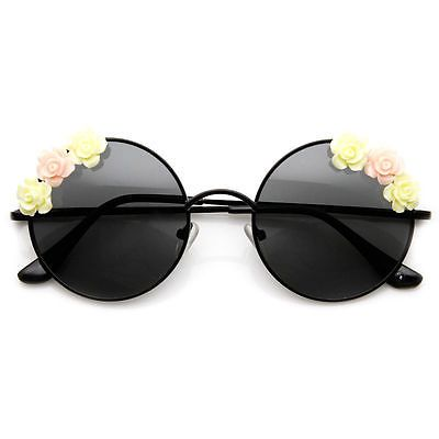 33acb9c6f7 your guide to the perfect summer sunglasses Fleurs Hippies