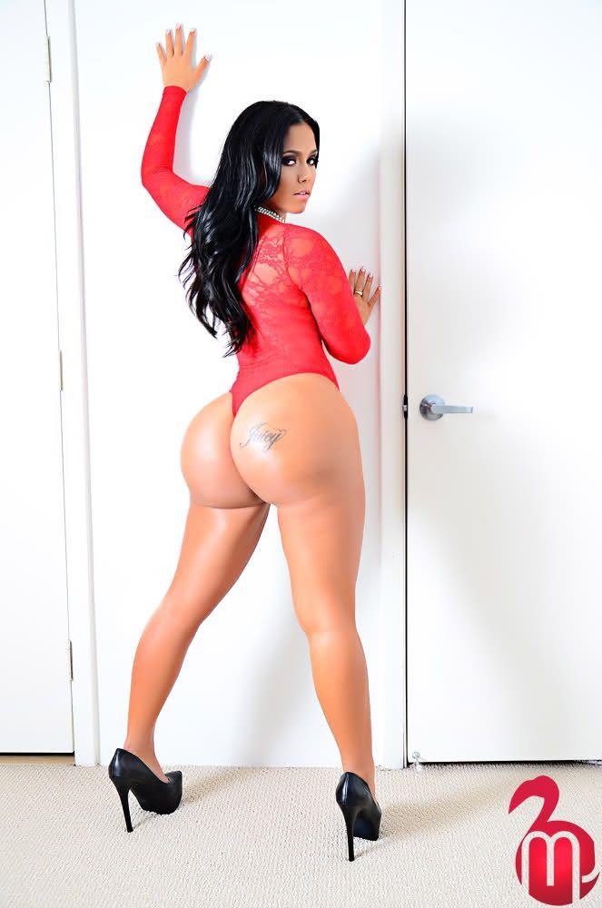 Big booty latin woman fucked doggystyle 2