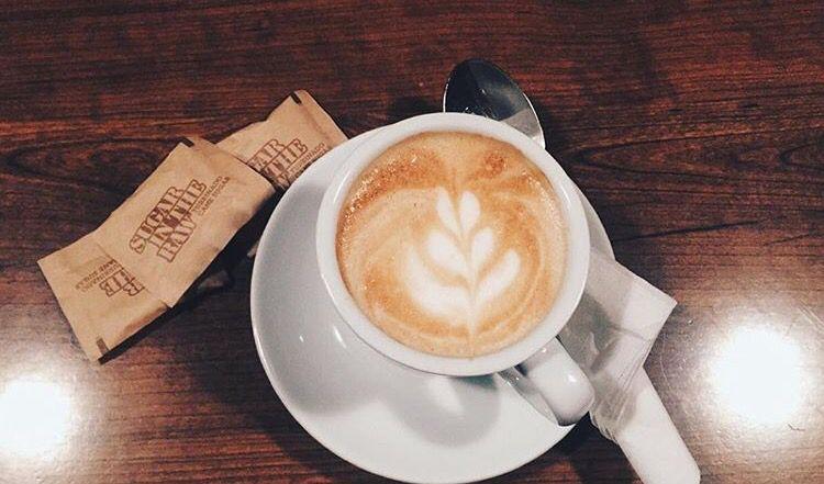 """""""Si no hay café para todos, no habrá para nadie""""  #ernestocheguevara...... Y en @buenprovechorc hay para todos, así que no te olvides de pasar y tomarte tu tácita  de café, exclusivamente de Ciales, Puerto Rico ☕️ 1701 Hamilton Ave, Hamilton, New Jersey #buenprovechorc #puertoricanfood #cafeconleche"""