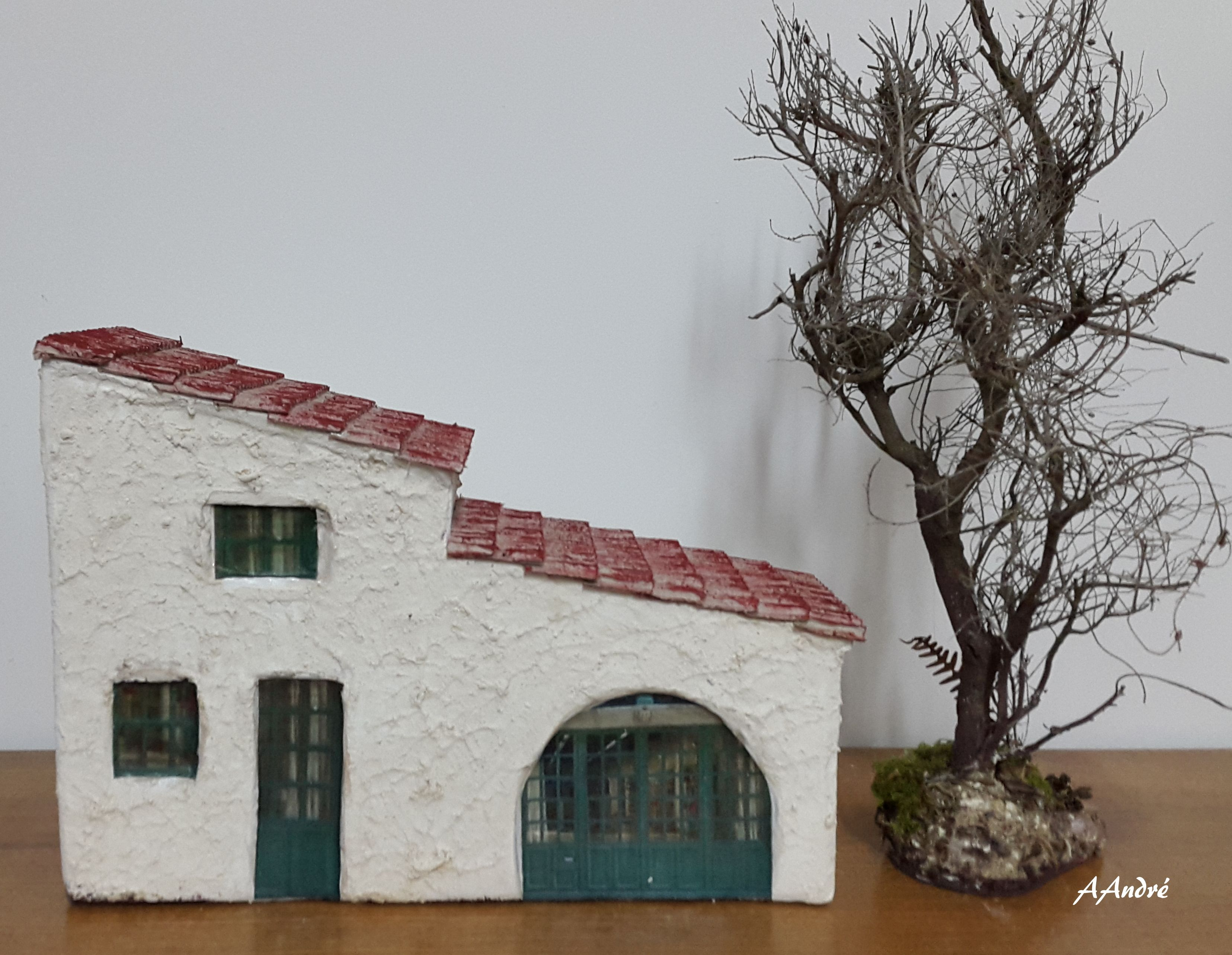 maison en carton pour la cr che de no l cartonnage carton ondule pinterest miniatures. Black Bedroom Furniture Sets. Home Design Ideas