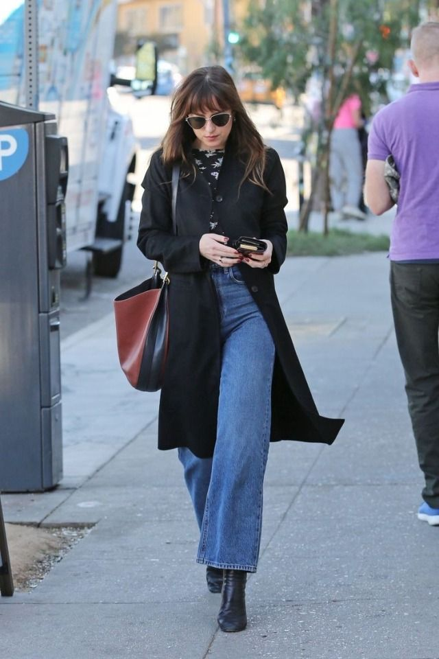 Dakota Johnson street style -   street style Icons