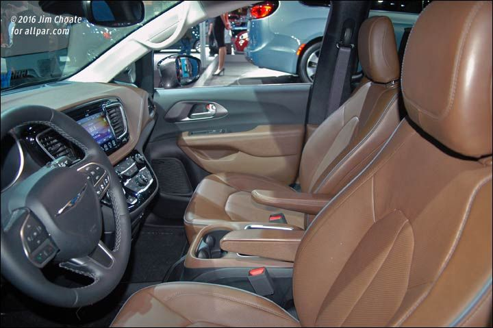 Pacifica 2017 Limited Front Seats Saddle Brown With Images