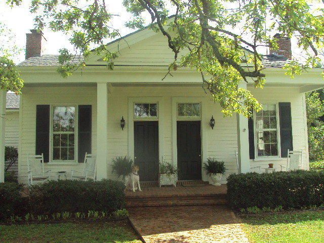 Cute 1850 S House And Guest House On 19 Acres In Oxford Mississippi Needs A Little Updating Inside Home Amazing Architecture Old Houses