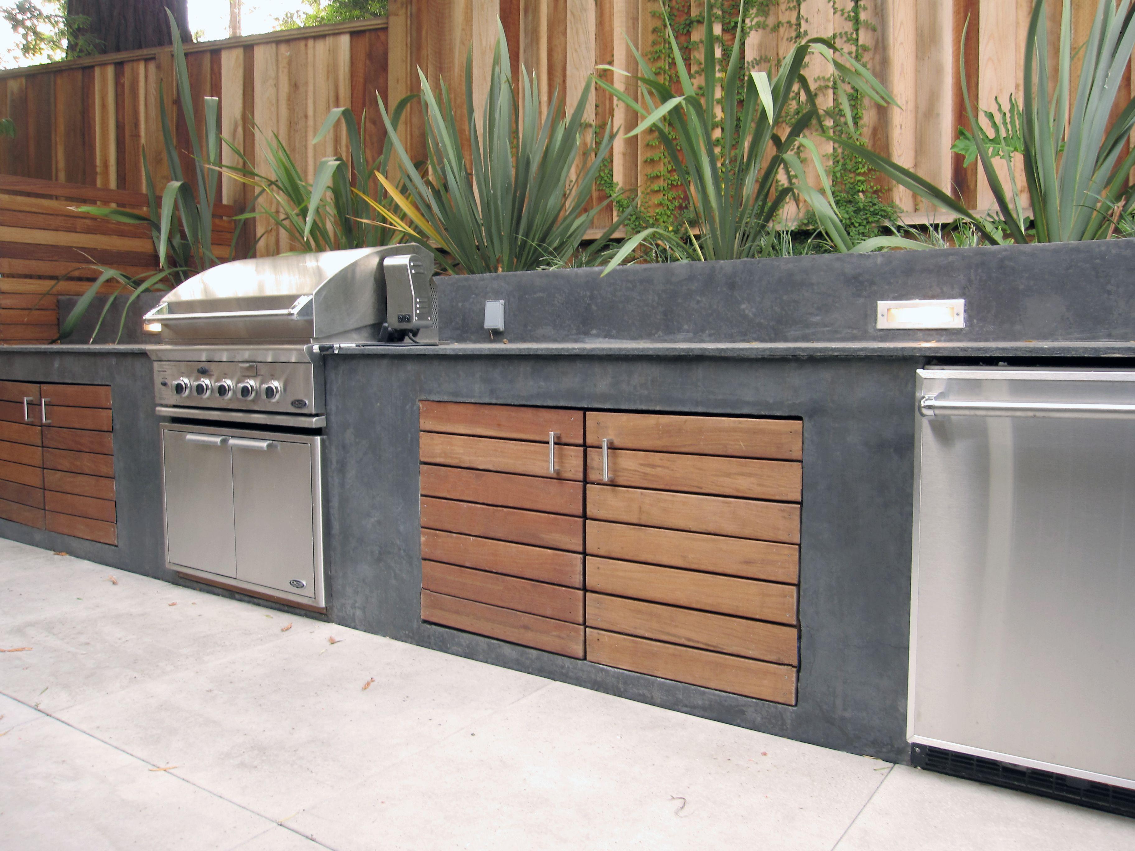 Shades Of Green Landscape Architecture Home Modern Outdoor Kitchen Outdoor Kitchen Countertops Outdoor Kitchen