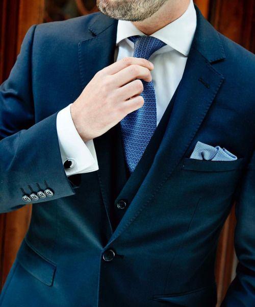 Putting on my best suit 😉 #me #details #suit #suitandtie #suitandtiefixation #FLATLAY #FLATLAYAPP #FLATLAYS www.theflatlay.com