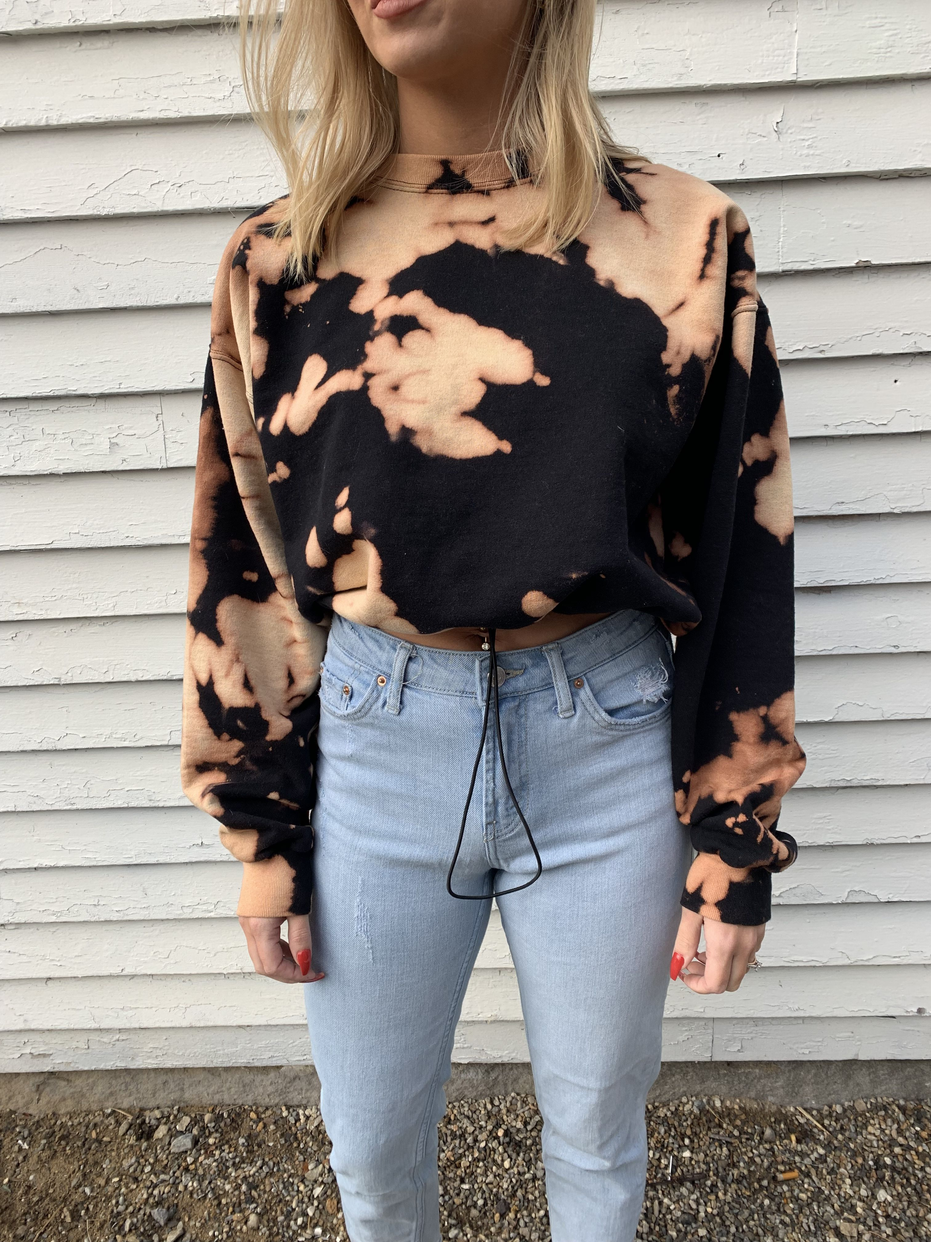 Bleached black crewneck cropped with drawstring in 2020