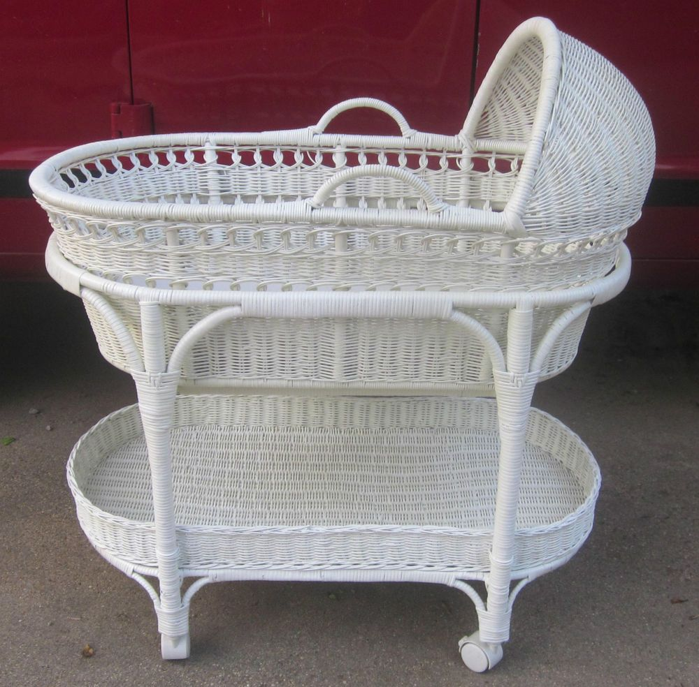Incroyable The Pottery Barn White Wicker Bassinet W/Removable Moses  Basket Casters Storage | Baby, Nursery Furniture, Bassinets U0026 Cradles |  EBay!